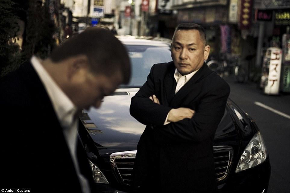 """Băng đảng mafia Nhật """"sống dở chết dở"""", bị bủa vây không lối thoát - 1"""