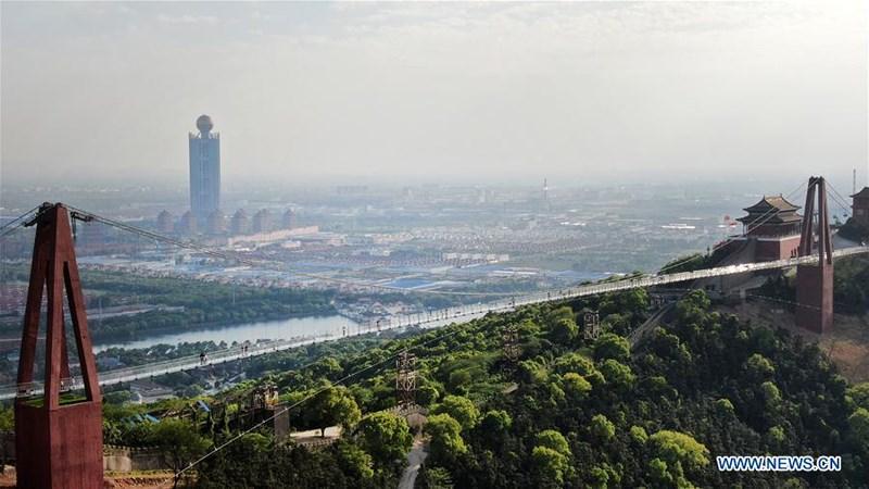 Khám phá cầu kính Giang Âm dài hơn 500m tại Giang Tô, Trung Quốc - 7