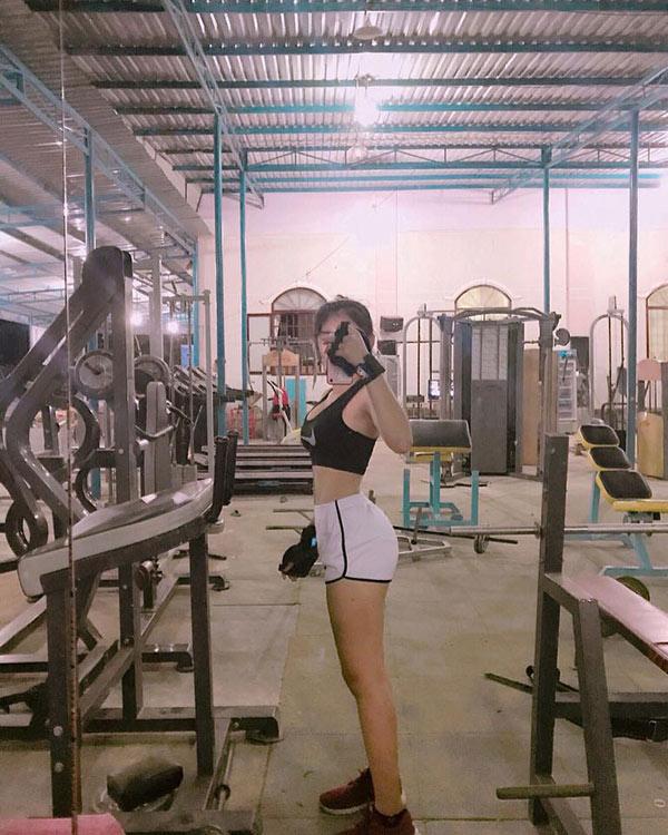 Bí mật đường cong như sóng cô gái Đồng Nai làm giàu nhờ body nóng bỏng - 2