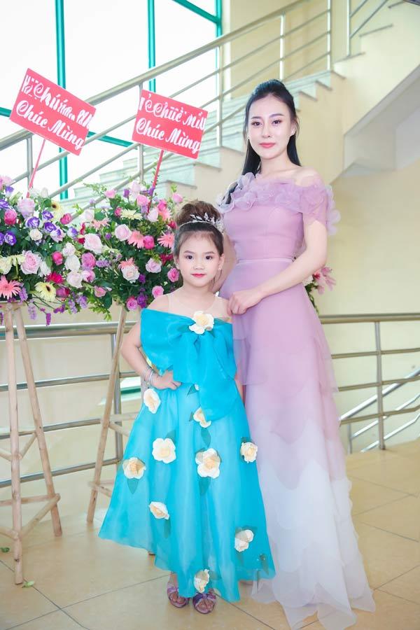 Hà Hương, Phương Oanh sẽ diễn thời trang cùng mẫu nhí - 4
