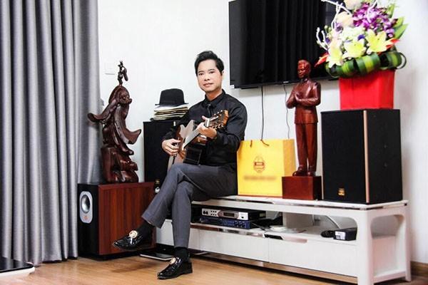 """""""Soi"""" khối tài sản khổng lồ của ca sĩ Ngọc Sơn: Nhà khủng, xe sang, bỏ 1.000 cây vàng để tự đúc tượng mình - 9"""