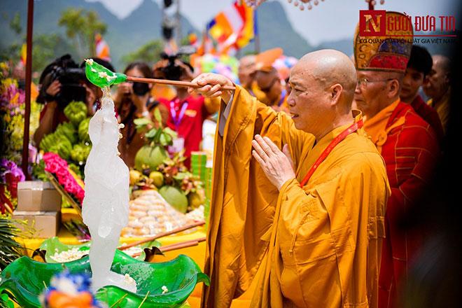 Độc đáo nghi lễ tắm Phật chùa Tam Chúc, mừng Đại lễ Phật đản Vesak 2019 - 4