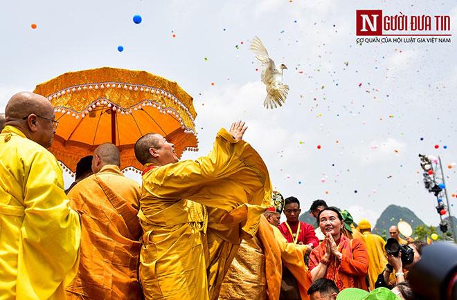 Độc đáo nghi lễ tắm Phật chùa Tam Chúc, mừng Đại lễ Phật đản Vesak 2019 - 5