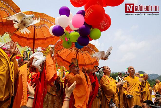 Độc đáo nghi lễ tắm Phật chùa Tam Chúc, mừng Đại lễ Phật đản Vesak 2019 - 8