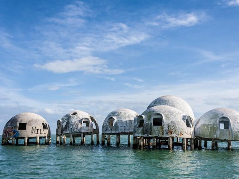10 công trình kiến trúc của con người bị tự nhiên...