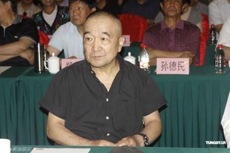 """Dàn sao """"Tể tướng Lưu Gù"""": Người là đại gia đồ cổ, người 73 tuổi vẫn phong độ - 2"""