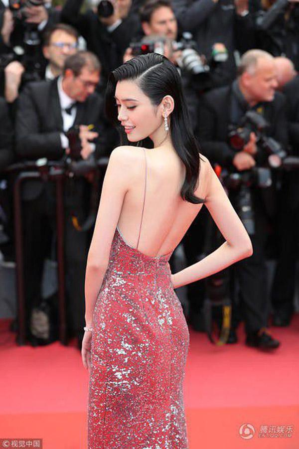 Mỹ nhân nào vượt Phạm Băng Băng trong cuộc chiến thời trang tại Cannes? - 8