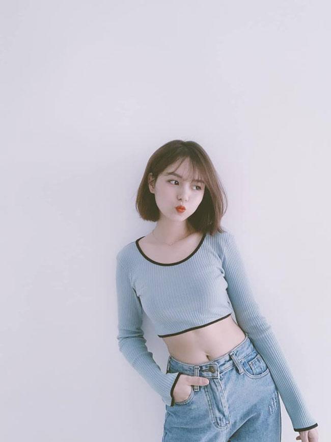 Ngoài việc chụp ảnh chung cho các shop thời trang, Hồng Hạnh và Thủy Trúc thường xuyên rủ nhau đi chơi, ăn uống, xem phim và xem ca nhạc...