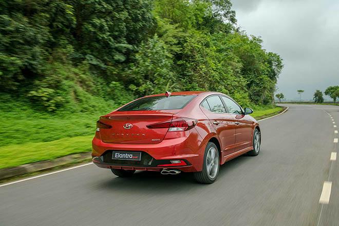 Ngoại hình ấn tượng của Hyundai Elantra Sport 1.6T 2019, nhiều lựa chọn về màu sắc - 2
