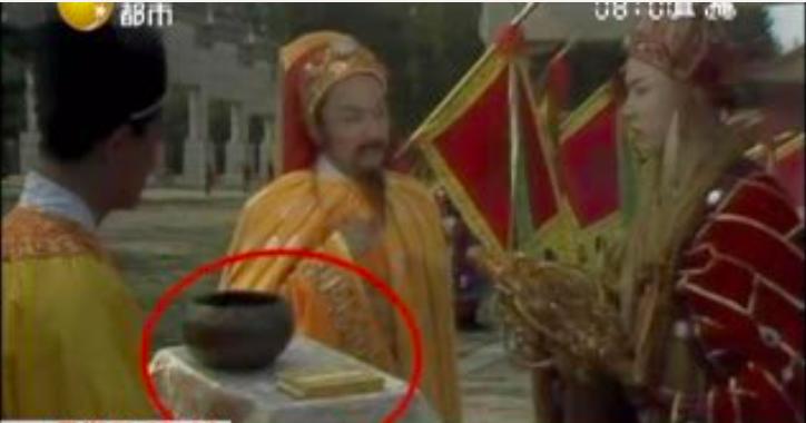 Vì sao Đường Tăng mặc áo cà sa gấm đi tu hành, dùng bát bằng vàng để đổi chân kinh? - 4