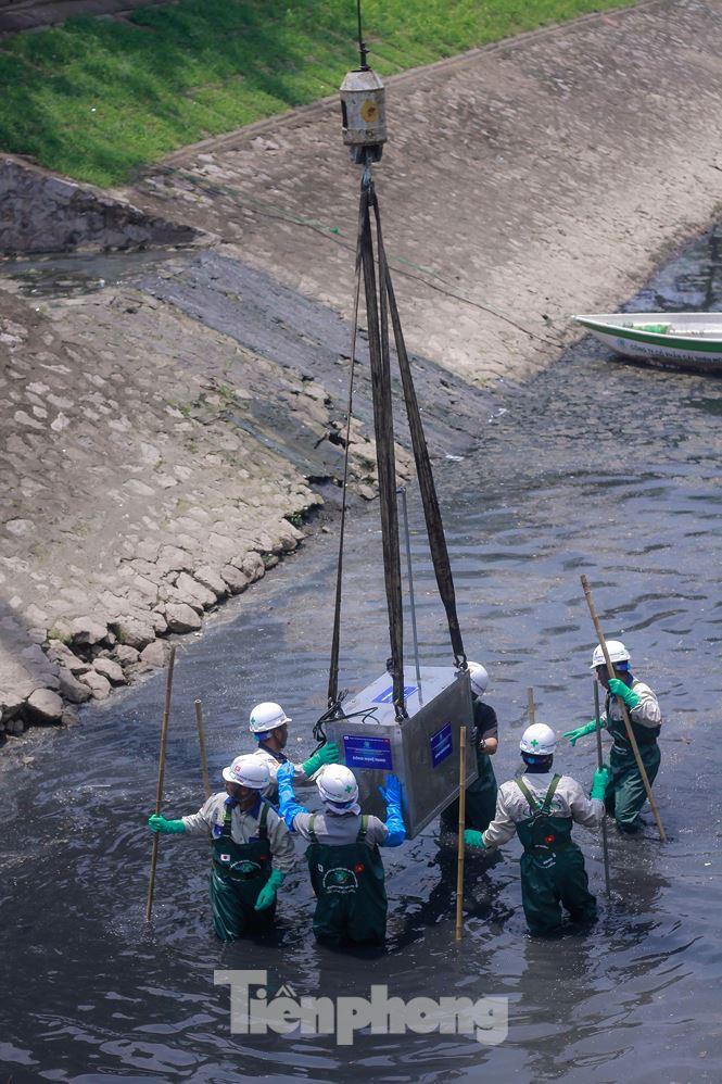 Hà Nội bắt đầu làm sạch sông Tô Lịch bằng 'bảo bối' của Nhật - 5
