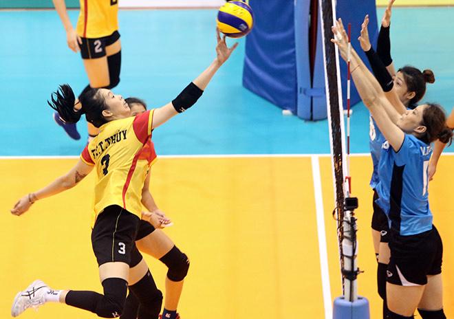 """Hoa khôi bóng chuyền Kim Huệ vẫn """"gây thương nhớ"""" ở tuổi 37 - 1"""