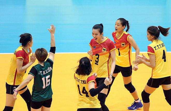 """Hoa khôi bóng chuyền Kim Huệ vẫn """"gây thương nhớ"""" ở tuổi 37 - 4"""