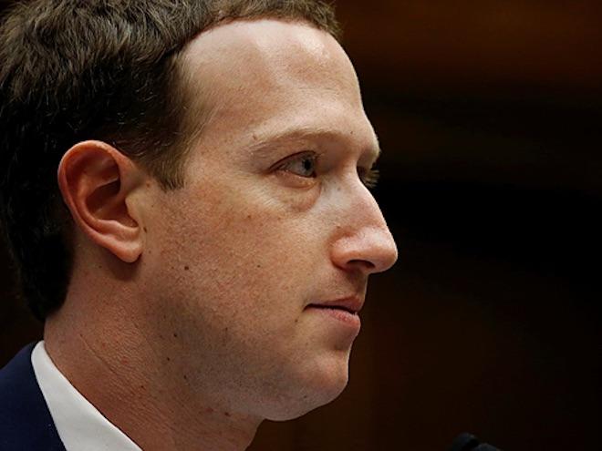 Cổ đông Facebook tìm cách