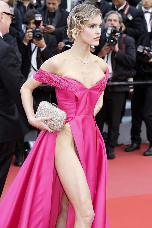 Hàng loạt người đẹp gặp sự cố thời trang ở Cannes - 10