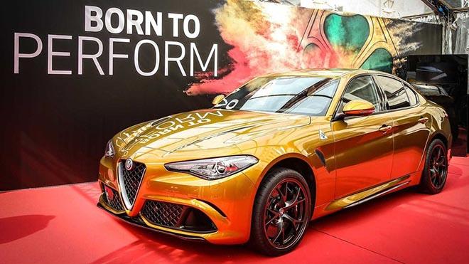 Cận cảnh Alfa Romeo Giulia màu sơn Ochre lạ mắt và sang chảnh - 1