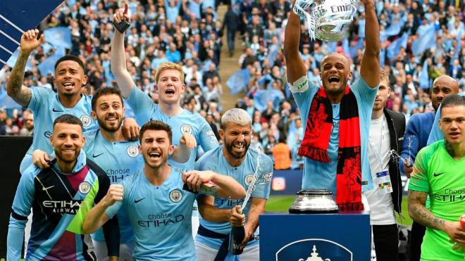 Man City nguy cơ bị cấm dự Cúp C1: Liệu MU, Arsenal có 1 suất thế chỗ? - 1