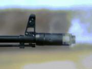 Xem AK-47 lên đạn và bắn qua hiệu ứng quay chậm ấn tượng