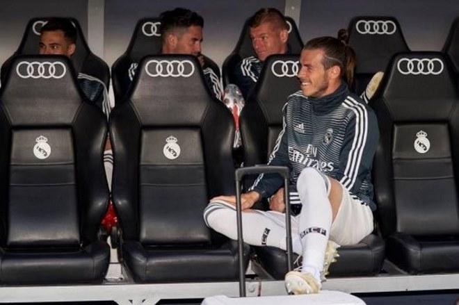 """Chấn động Real Madrid: Zidane chính thức """"xử"""" Bale , """"ông trùm"""" tặng quà MU? - 1"""