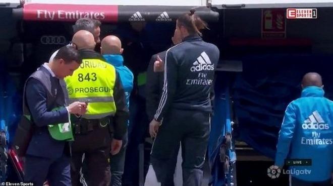 """Chấn động Real Madrid: Zidane chính thức """"xử"""" Bale , """"ông trùm"""" tặng quà MU? - 2"""