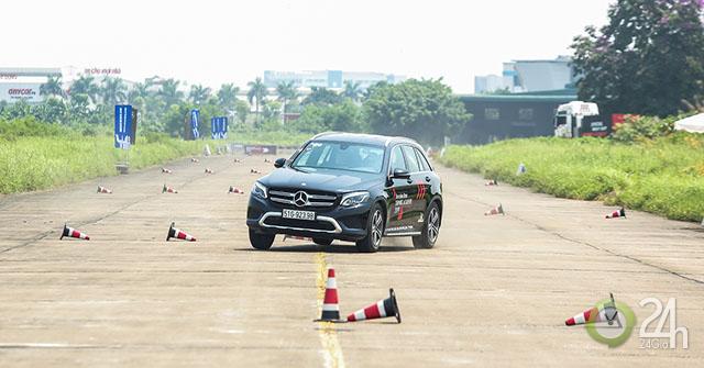 Trải nghiệm các tính năng an toàn của Mercedes Benz tại Học viện Lái xe An toàn