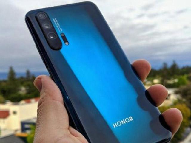 Con cưng Huawei vẫn sẵn sàng cho chiếc điện thoại cao cấp mới