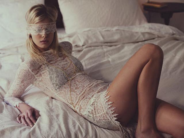 Chụp ảnh trong phòng ngủ giúp gái trẻ kiếm được 35 triệu/tuần