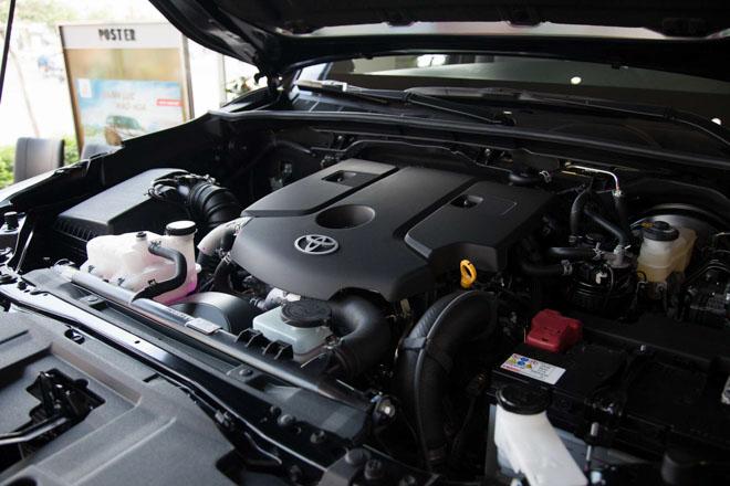 Bảng giá xe Toyota Hilux 2019 lăn bánh mới nhất - Cuộc chiến trong phân khúc xe bán tải - 4