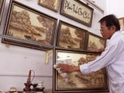 Kỷ lục: Người đàn ông An Giang vẽ tranh trên lá thốt nốt
