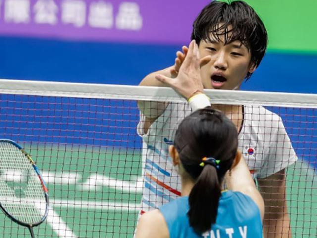 Chấn động cầu lông: Thần đồng 17 tuổi đánh bại tay vợt số 1 thế giới