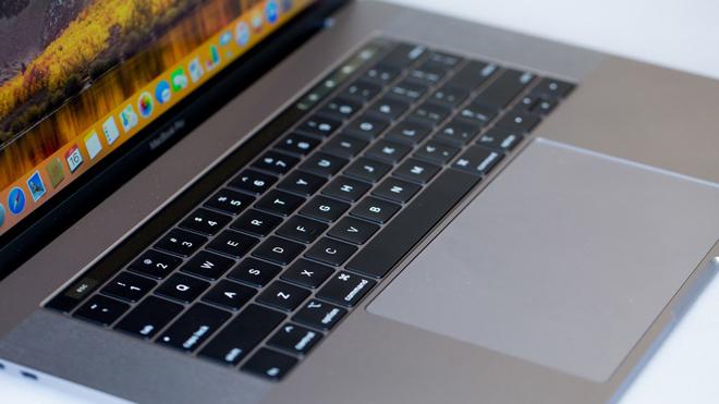 """HOT: Apple """"trình làng"""" MacBook Pro 13 inch với chip 8 lõi cực """"trâu"""" - 2"""