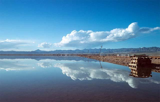 Không chỉ là hồ muối lớn nhất Trung Quốc, nơi này còn có phong cảnh đẹp đến nghẹt thở - 4