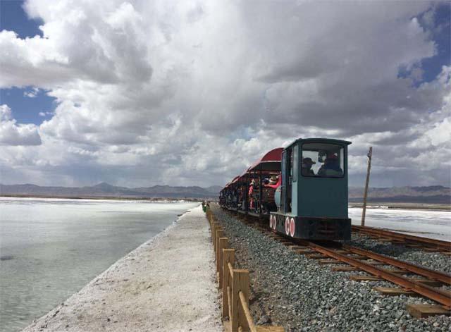 Không chỉ là hồ muối lớn nhất Trung Quốc, nơi này còn có phong cảnh đẹp đến nghẹt thở - 5