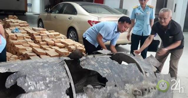 Ngư dân thả lưới kéo được vật thể lạ trên vịnh Hạ Long
