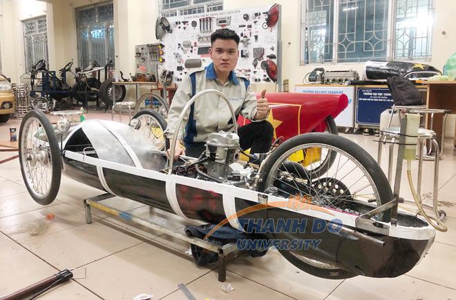 """Cuộc thi """"Lái xe sinh thái – Tiết kiệm nhiên liệu"""" cùng sinh viên Trường Đại học Thành Đô - 2"""