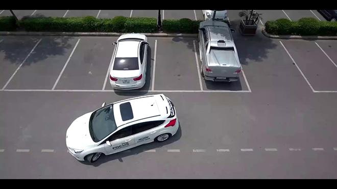 Tổng hợp những nguyên tắc lùi xe ô tô cánh tài xế cần nắm lòng khi di chuyển - 2