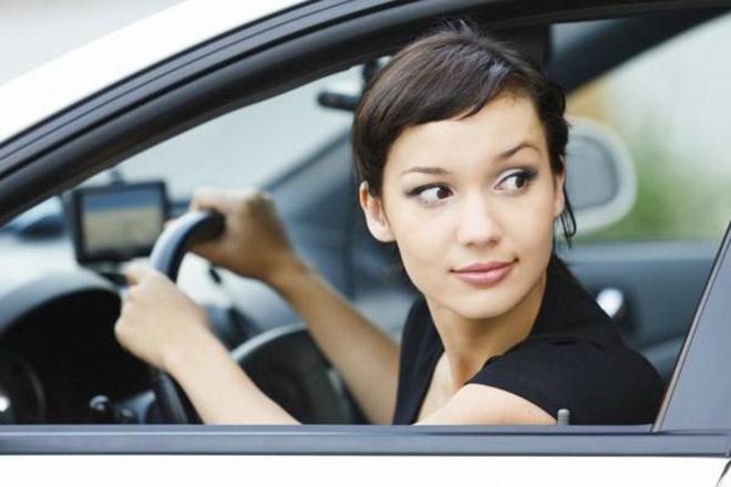 Tổng hợp những nguyên tắc lùi xe ô tô cánh tài xế cần nắm lòng khi di chuyển - 3