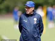 Đấu Arsenal, Chelsea bất ổn nội bộ: HLV Sarri Dọa về Juventus làm thầy Ronaldo