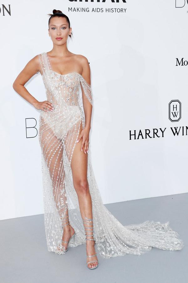 Những chiếc váy xẻ cao đẹp nhất lịch sử Cannes - 8
