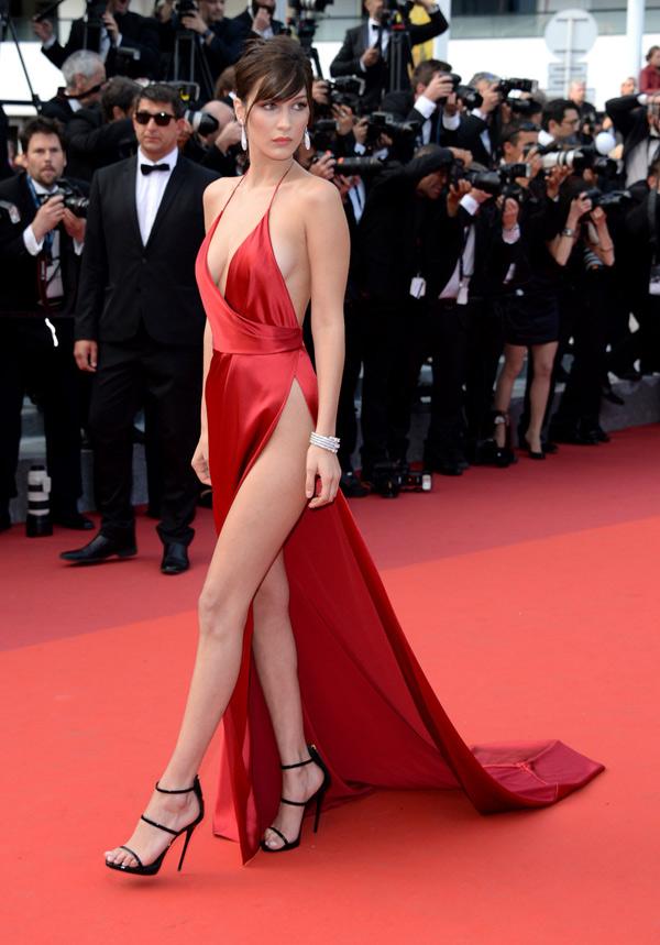 Những chiếc váy xẻ cao đẹp nhất lịch sử Cannes - 6