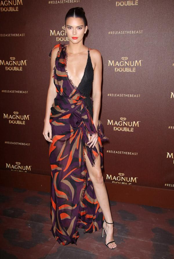 Những chiếc váy xẻ cao đẹp nhất lịch sử Cannes - 5
