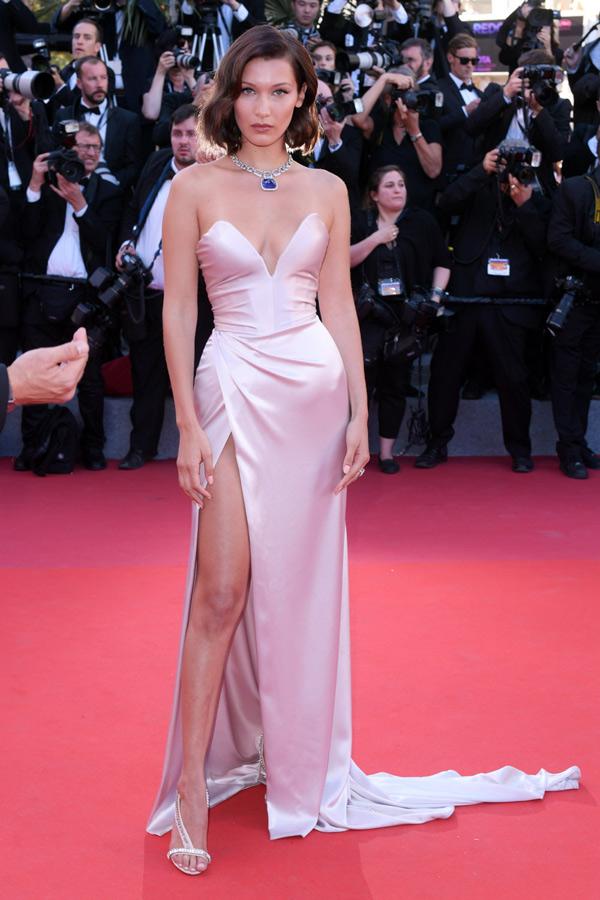 Những chiếc váy xẻ cao đẹp nhất lịch sử Cannes - 7