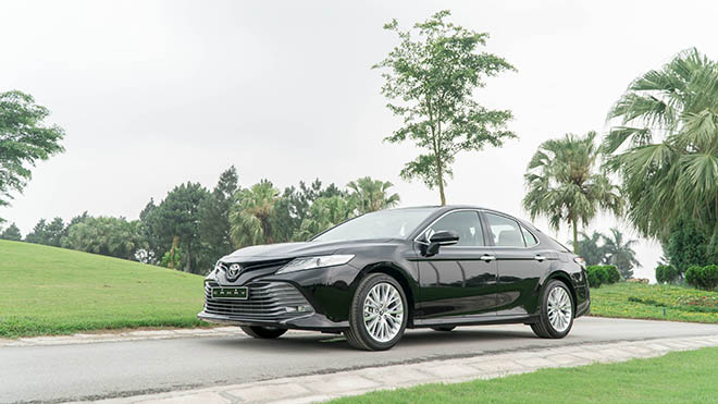 Bảng giá xe Toyota Camry 2019 lăn bánh - Hỗ trợ mua xe trả góp với mức lãi suất ưu đãi - 1