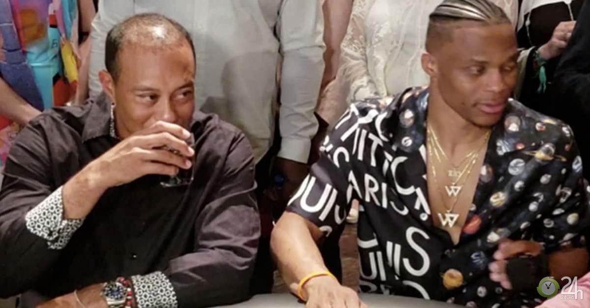 Ngã ngửa: Tiger Woods và SAO bóng rổ đi đánh phỏm bị bắt quả tang
