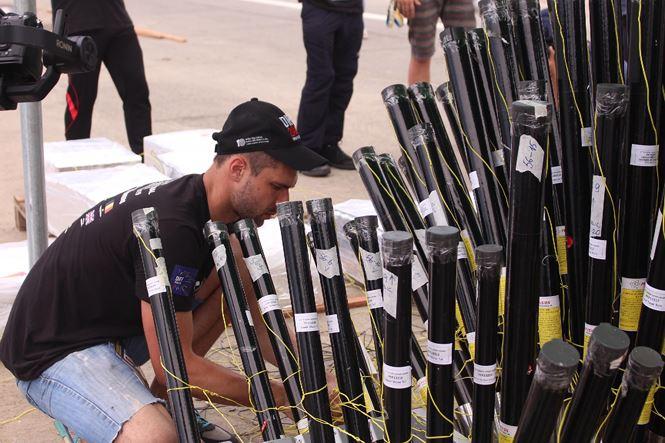 Cận ảnh trận địa pháo hoa Quốc tế Đà Nẵng trước giờ 'khai hỏa' - 9