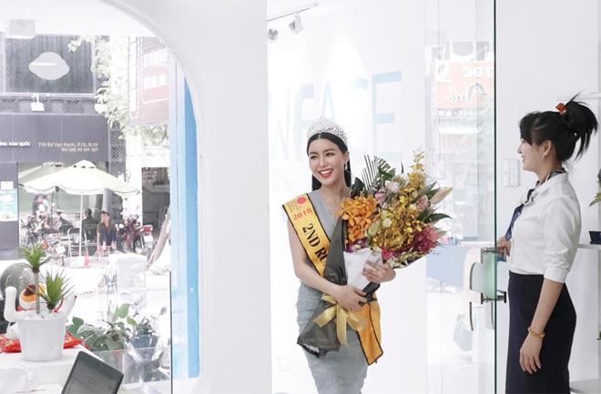"""Bác sĩ Thẩm mỹ NewFace kể chuyện """"tái tạo nhan sắc"""" cho Hoa hậu Băng Khuê - 4"""