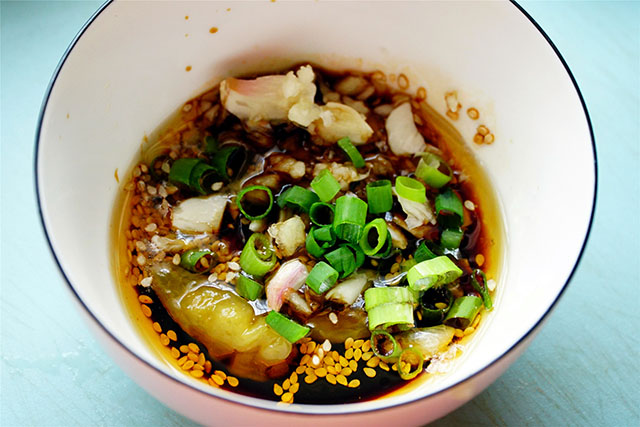 Trời nóng ngán ăn thịt nhưng món ăn này đảm bảo bữa nào cũng sạch sành sanh - 4