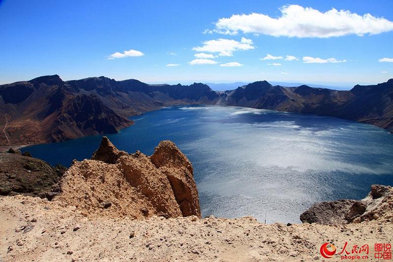 Không chỉ Trương Gia Giới, Cửu Trại Câu, Trung Quốc còn có dãy núi đẹp tuyệt vời này - 9