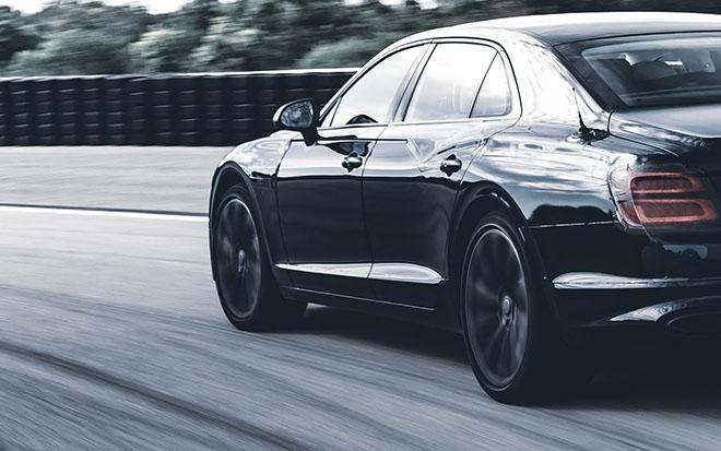 Bentley Flying Spur thế hệ thứ 3 sẽ chính thức ra mắt trong tháng 6 này - 2