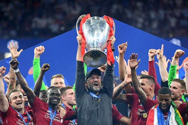 """Liverpool lần thứ 6 lên đỉnh châu Âu: Cảm xúc vỡ òa, ngả mũ nhà """"vua"""" - 8"""